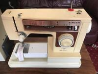 Singer electric sewing machine ( needs power lead foot pedal