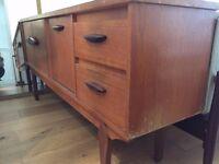 Sideboard – Vintage Teak Danish Style