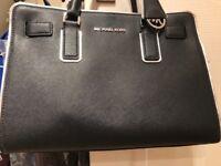 Michael Kors Dillon Bag