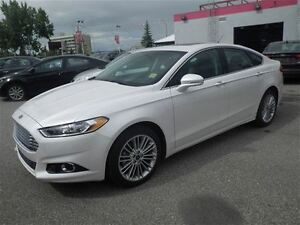 2016 Ford Fusion SE  AWD  Heated Leather  Navi  Hail Special