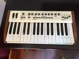 32 Keys Arturia MIDI keyboard controller Point Cook Wyndham Area Preview