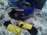 BMX ⛑ helmet and flicker scooter