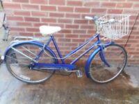 ladies vintage blue wood stock 21 inch frame bike with basket and lock
