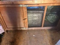 Guinea pig / rabbit hutch with cover