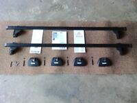 Thule 761 roofbars and 753 footpack set