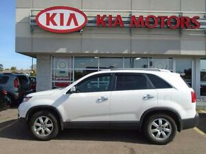 2013 Kia Sorento LX AWD v6 - one owner/mint condition