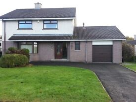 4 Bedroom spacious House with Conservatory & Garage