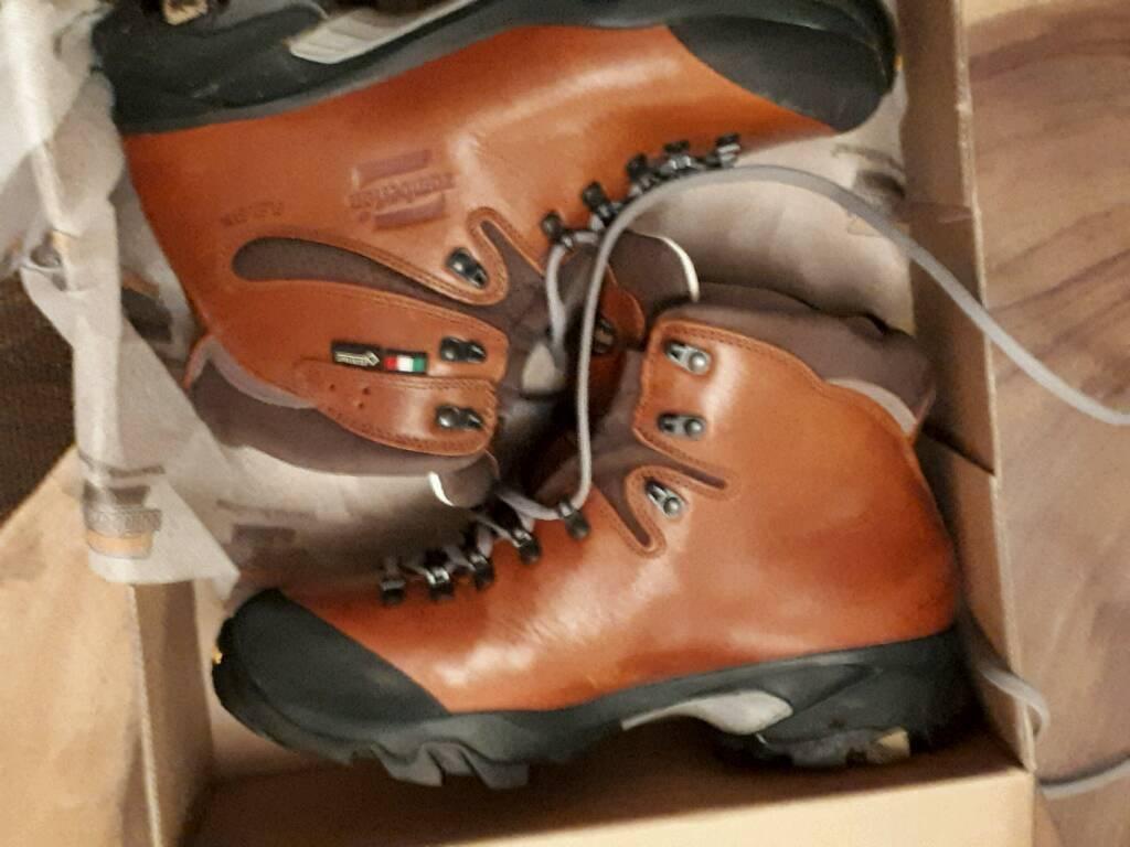 Zamberlan hiking, hill walking boots size 9