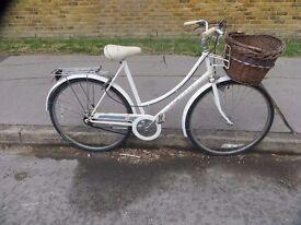 Classic Vintage Ladies Raleigh Caprice Town Bike