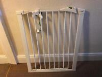 Stair gate used but in good condition