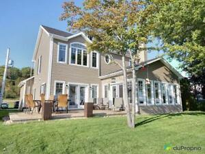 435 000$ - Maison 2 étages à vendre à Roberval
