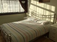 A lovely large double room for let in Dagenham
