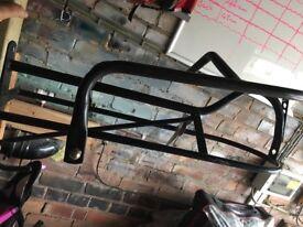 Horse saddle rack secure