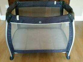 Mamas and papas sleep travel cot playpen modern round design vgc pet and smoke free home travelcot