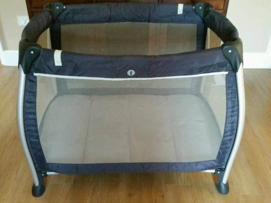 mamas and papas sleep travel cot playpen modern round design vgc  - mamas and papas sleep travel cot playpen modern round design vgc pet andsmoke free home