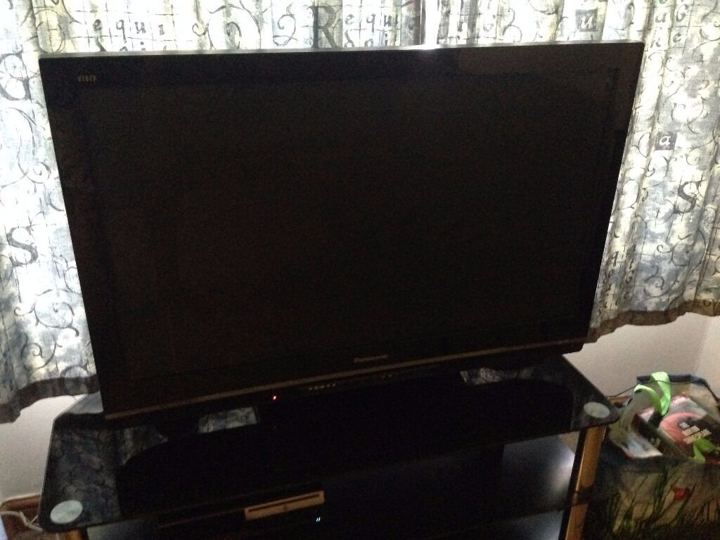 "40"" Panasonic Flatscreen TV 3 HDMI Portsin AberdeenGumtree - 4 Students selling our 40"" Panasonic TV since were all moving abroad Fine working order never had any issues. Pick up only near the University of Aberdeen"