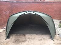 Trakker tempest brolly v1 with extras carp fishing