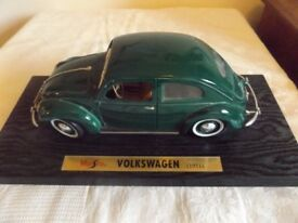 Maisto 1/18 Scale - 31820 Volkswagen Beetle Export Sedan Green Diecast Model Car