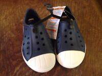 """Crocs Noys """"Bump It"""" Shoe in Navy with White toe and sole. Size 8"""