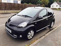 2013 TOYOTA AYGO 1.0 FIRE 40,000 MILES ONLY £20 YEAR ROAD TAX LOW INSURANCE