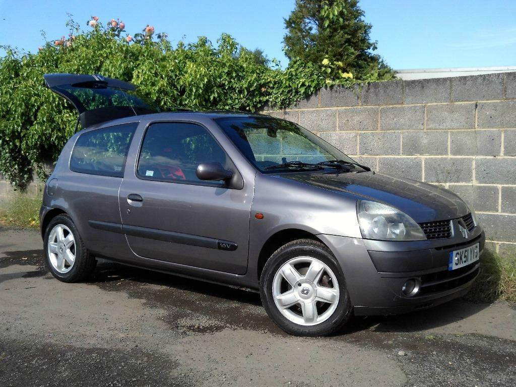 renault clio 1 2 dynamique 3 door in steel grey part exchange to clear very tidy 12 months mot. Black Bedroom Furniture Sets. Home Design Ideas