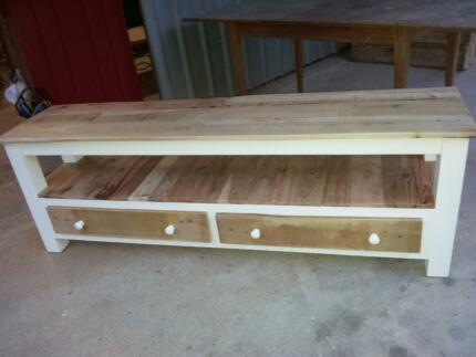 Custom shabby chic pallet wood hand made tv, bench, hall table Lonsdale Morphett Vale Area Preview