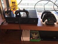 Xbox one with 4 controllers, and 5 games for ps4