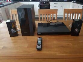 Samsung Cinema Surround Sound 3D Bluray System - Samsung HT-D5200