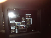 """Samsun 32"""" Tv inc remote & Powerlead very little use as been in guest room"""