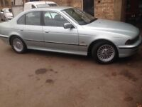 Breaking BMW E39 523i 2.5 automatic silver/green sedan, for parts, postage available