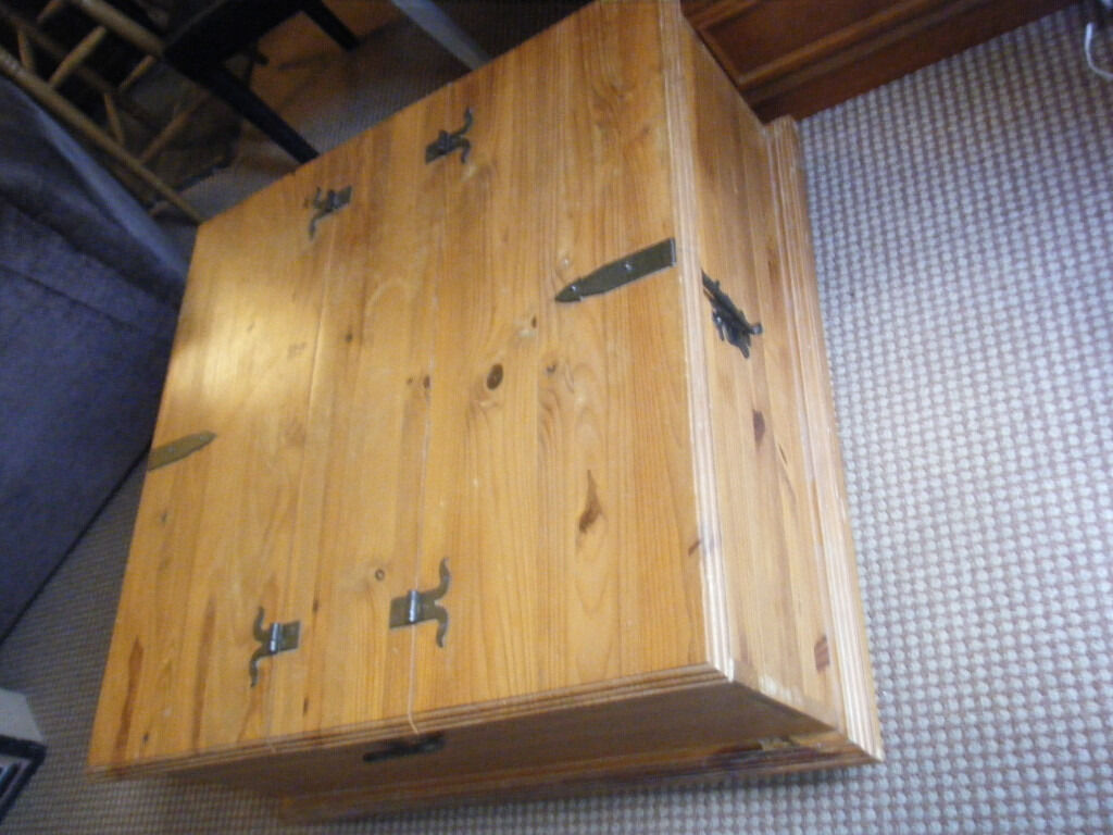 Corona Style Mexican Pine Double Storage Trunk Coffee Table