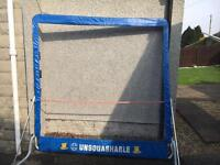 Tennis / squash rebound outdoor net