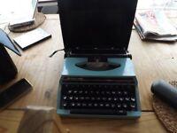 silver reed vintage typewriter
