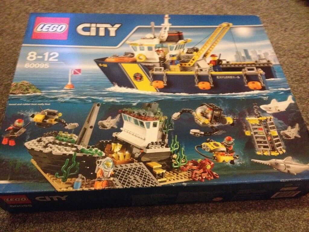 Lego deep sea exploration vessel brand new
