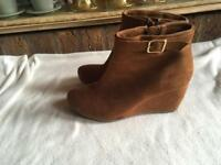 Gorgeous ladies ankle boots zip tan colour size: 5/38 used £8