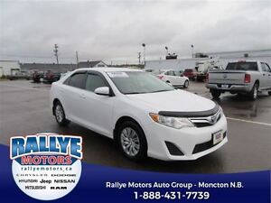 2014 Toyota Camry LE! Back-Up! ONLY 47K! Save!