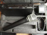 Samson stage 55 wireless microphone system in hard case