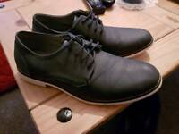 Mens size 7 navy shoes,,,vgc,,£5