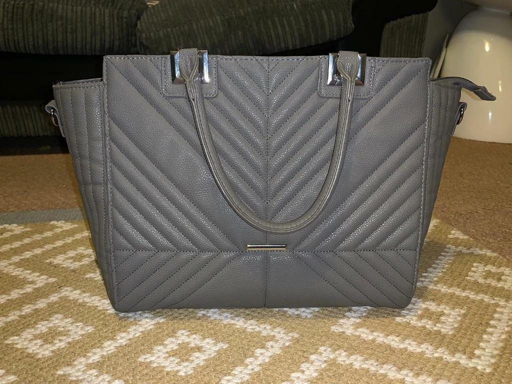 Primark grey ribbed bag with long strap included  278ac80837aec