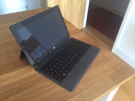 Microsoft Surface PRO 2 Laptop WITH keyboard, surface pen and charger in very good condition.