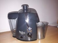 Moulinex BKA3 juicemaster plus for sale. Used but in excellent condition. £12