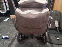 Silver cross Chelsea special addition with matching car seat and changing bag from smoke free home