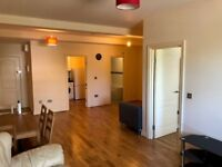 One bed flat, spacious, kitchen, bathroom dining, Tolworth Nr Surbiton