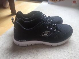 Mens Skechers Flex Advantage Trainers - Black/White - Size 9 (43)