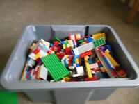 APPROX 10KG BOX OF LEGO