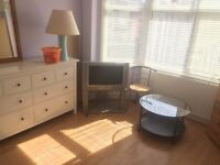 Large Bright sunny room £80 per week no bills all included.Female Flat share