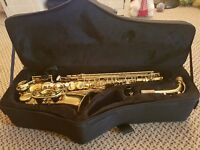 Alto Saxophone Excellent condition!!