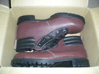 Pair of brand new Goliath steel toe cap work boots - size 8/42. Never been worn.