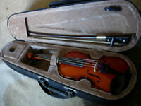 1/16th size violin-rare size suit age 3-5 approx -start your child early, great gifty, vgc