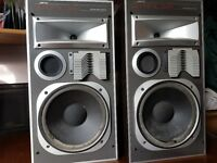 Denon DCM-270 5 CD Auto Changer and Jamo Dynamic d4e 80W speakers